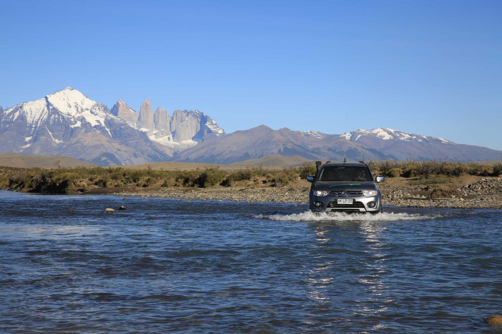 antarctic-expedition-patagonia-driving