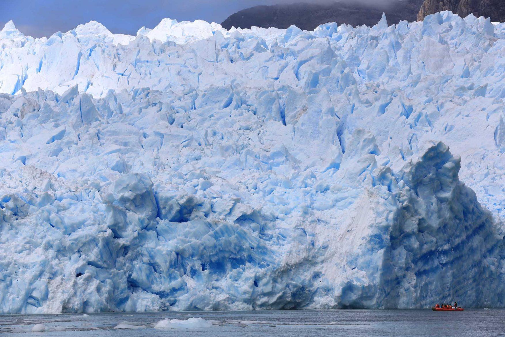 antarctic-expedition-patagonia-ice-glacier