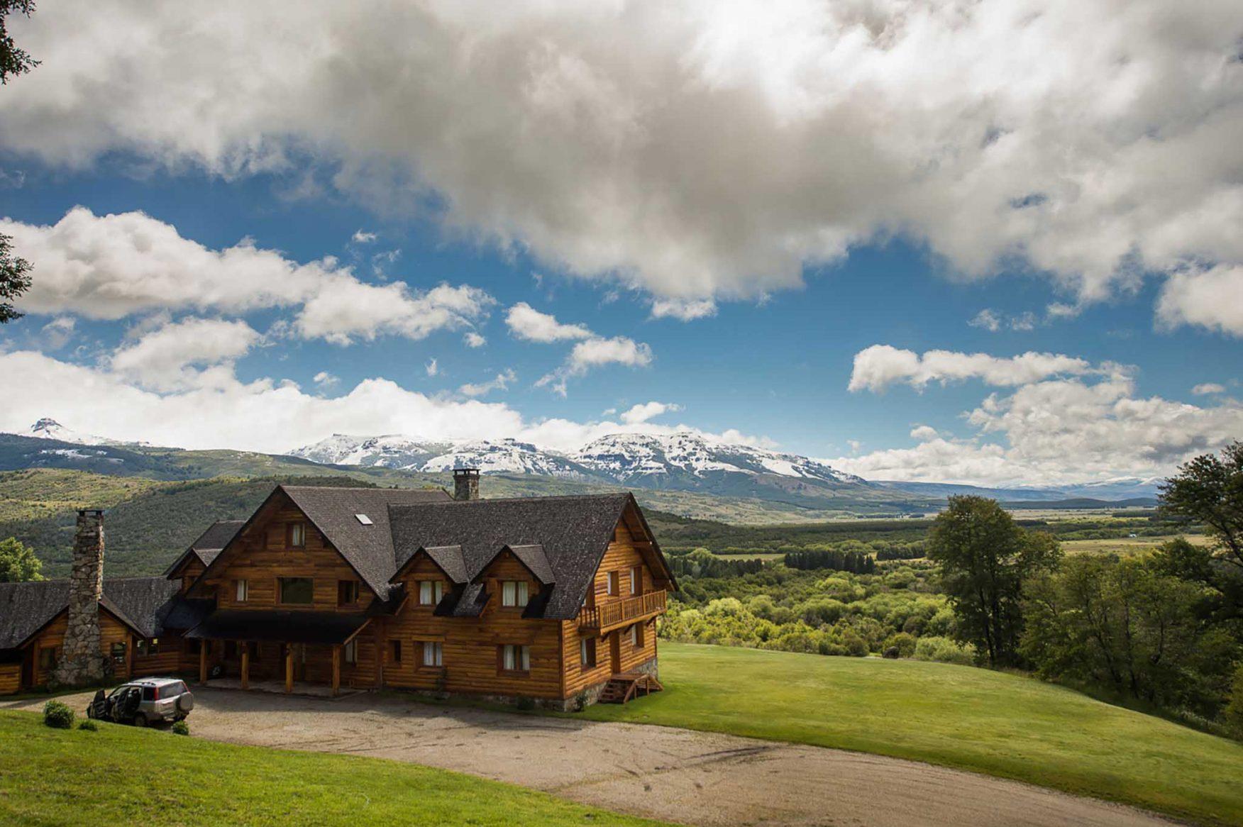 argentina-patagonia-wilderness-caballadas-mainhouse