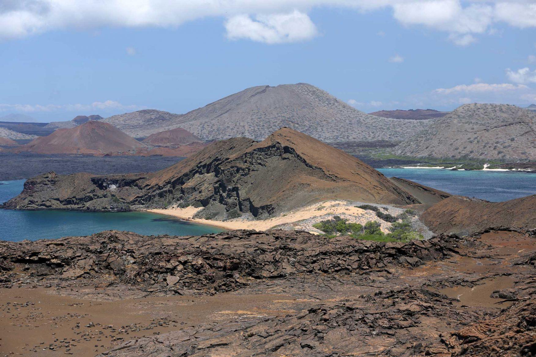 galapagos-adventure-volcanoes