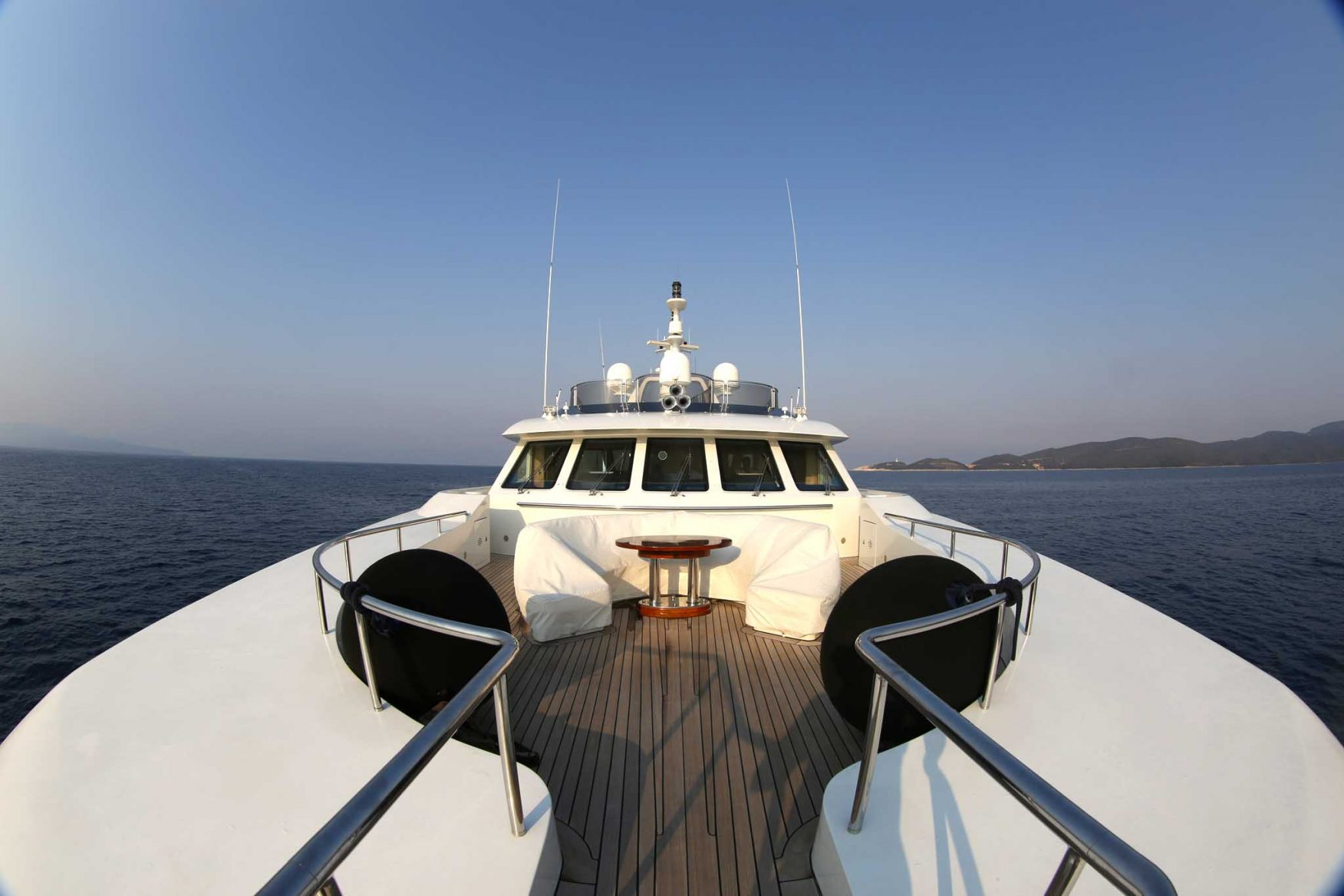 greek-mythological-cruising-yacht-front
