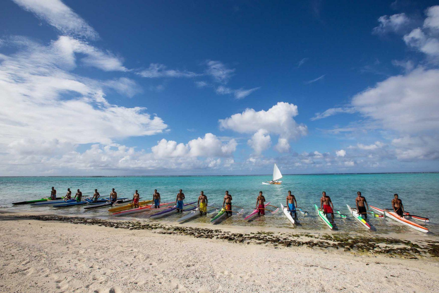 the-brando-boats-australasia-honeymoon-polynesia-boatmen
