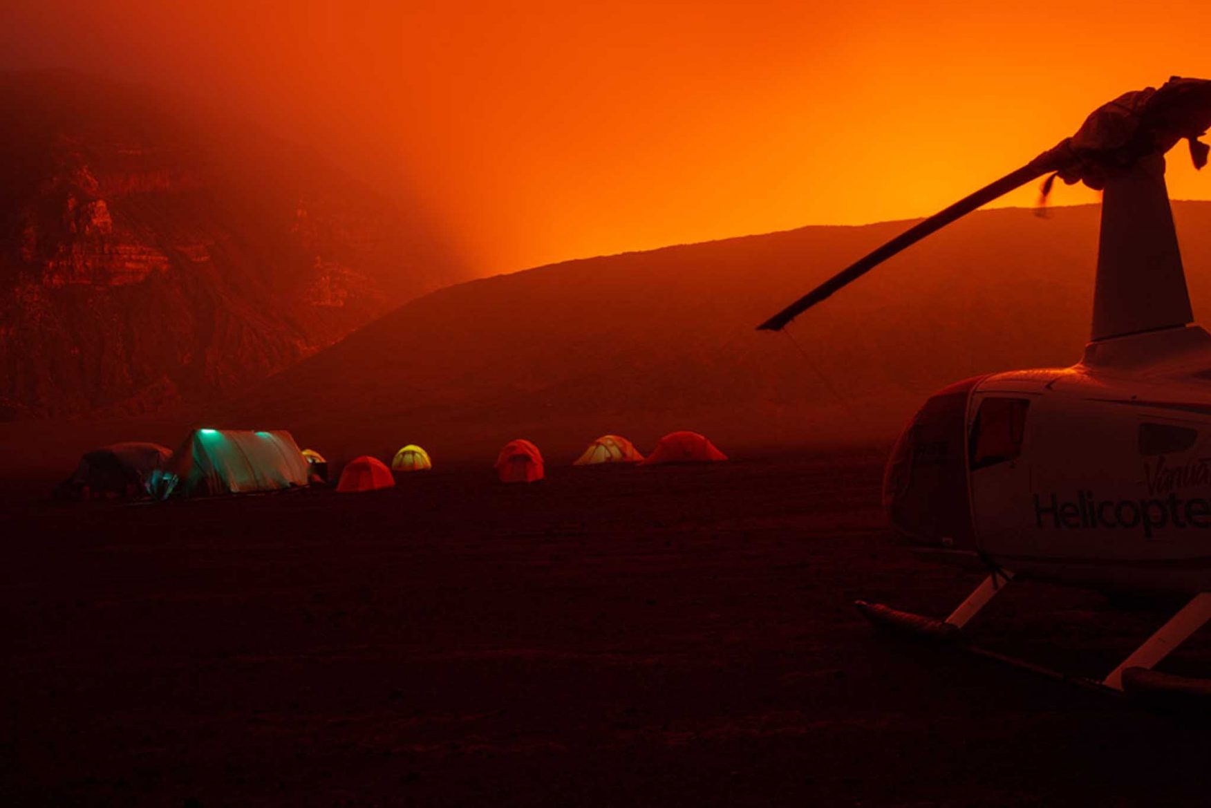 vanuatu-volcano-expedition-camp-helicopter