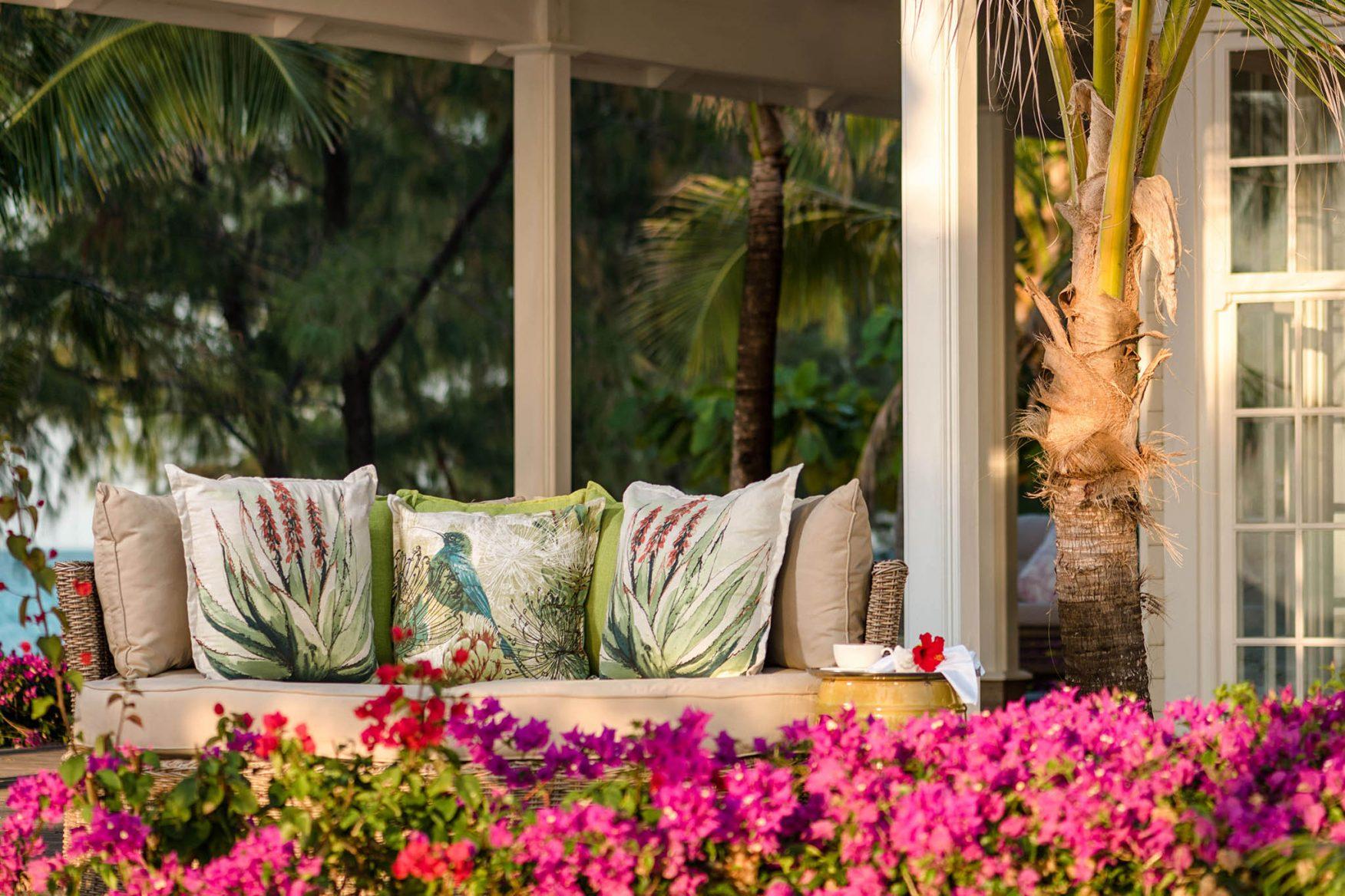 villa-outdoor-lounge-copy