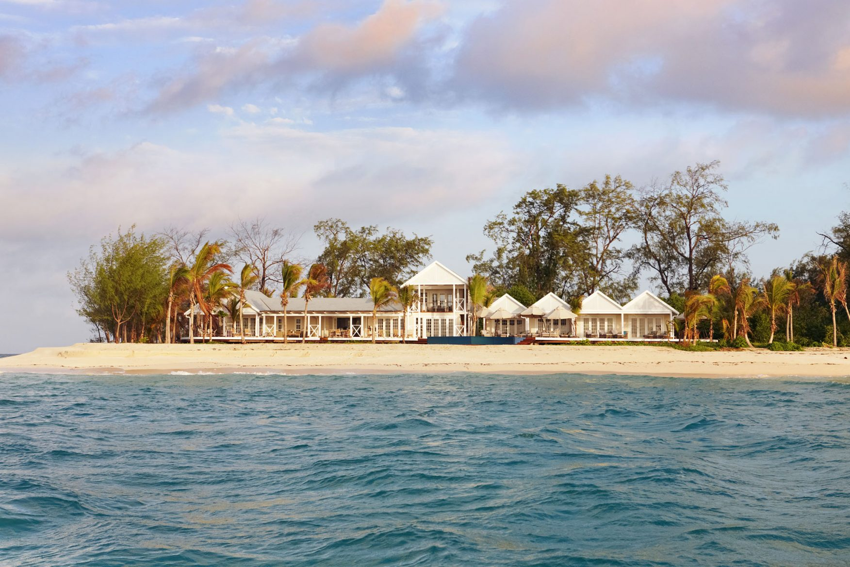 villa-view-from-water