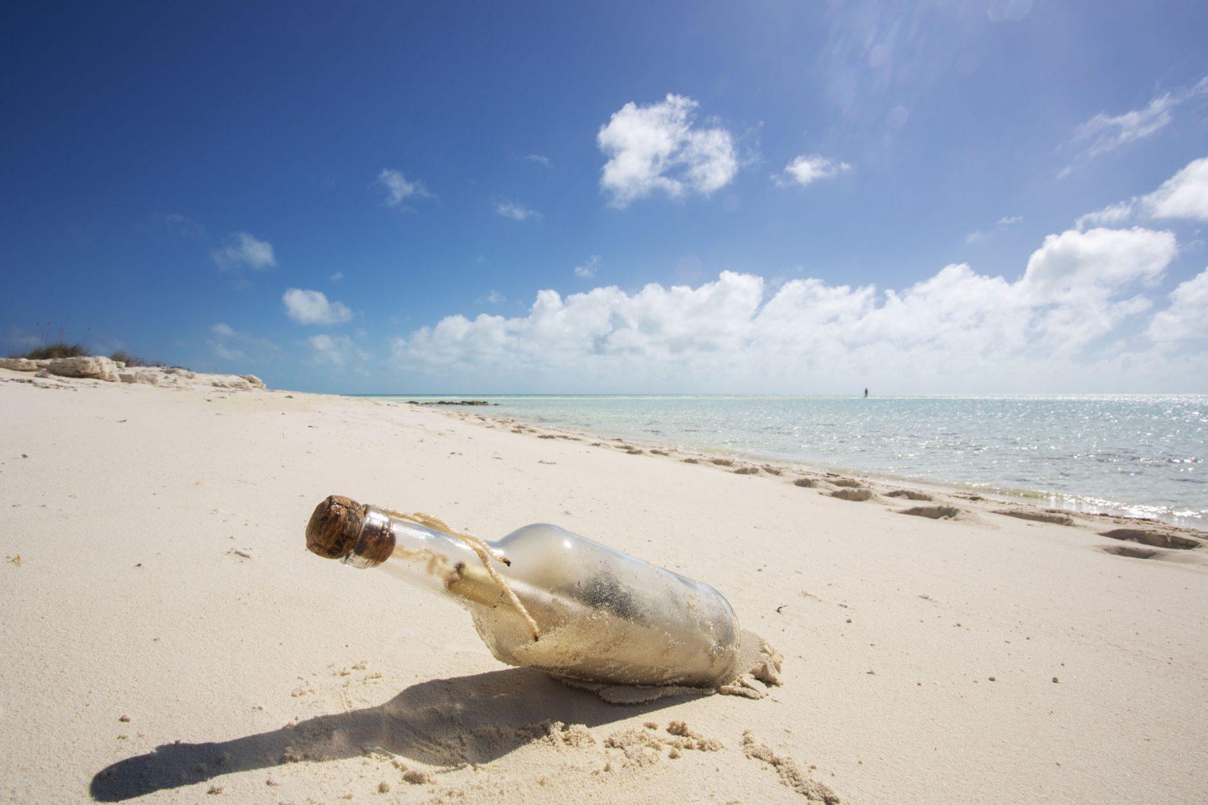 boats_honeymoon-desertedbeach-bahamasjpg
